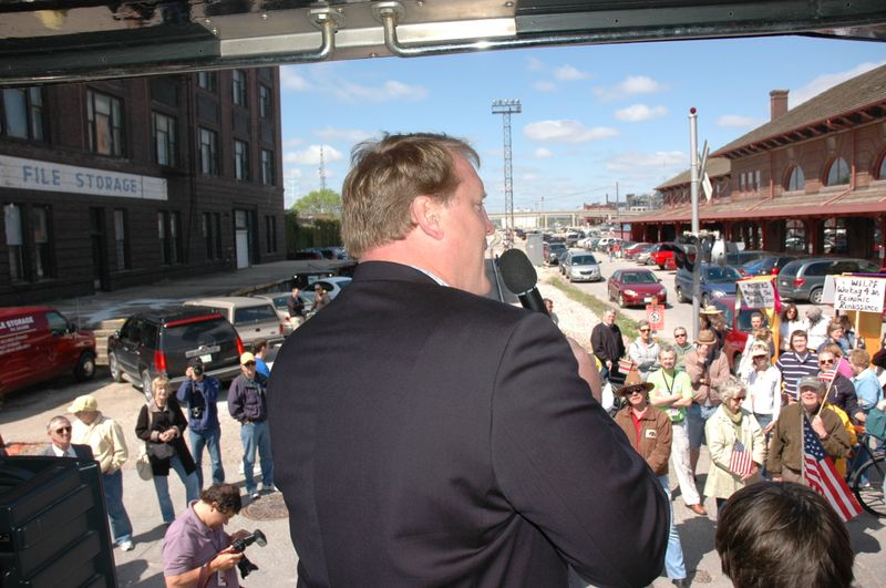 Governor Culver speaking from platform of IAIS Business Car, Hawekeye, May 9, 2009